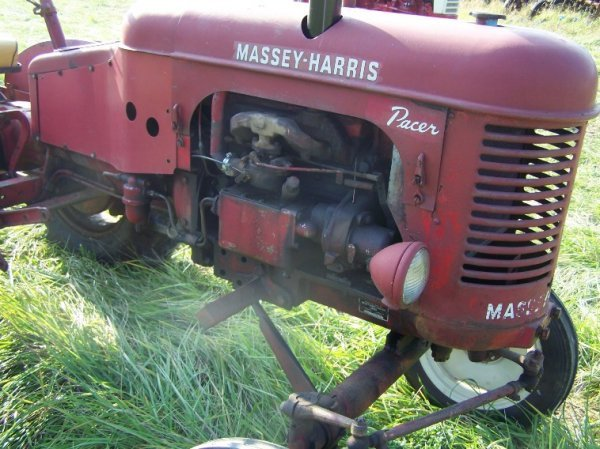 2236: Massey Harris Pacer Antique Tractor Original - 7