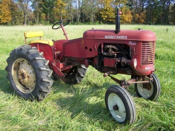 2236: Massey Harris Pacer Antique Tractor Original - 9