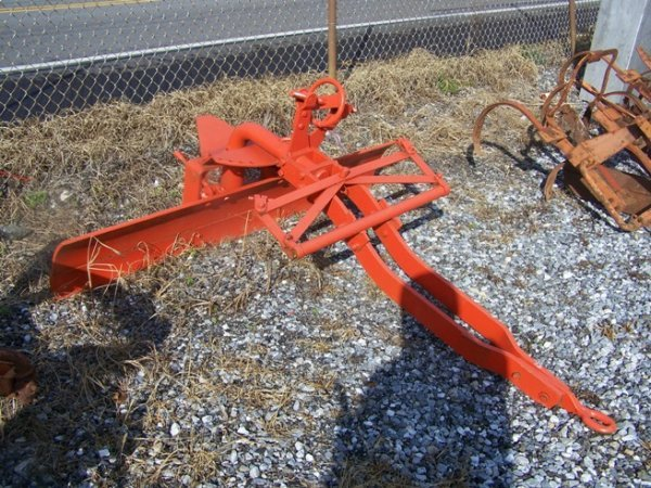 2062: Allis Chalmers 6' Snap Coupler Blade for Tractor