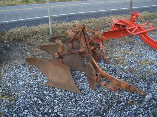 2064: Allis Chalmers 3x Snap Coupler Plow for Tractors