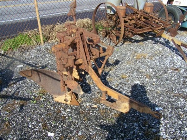 2071: Allis Chalmers 3x Snap Coupler Plow for Tractors