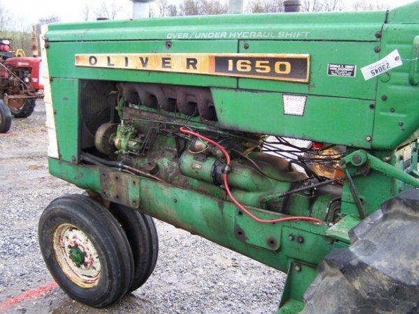 2319: Oliver 1650 Diesel Antique Farm Tractor - 7