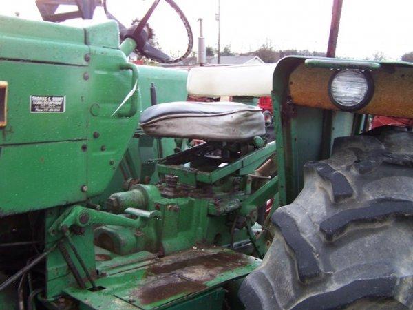 2319: Oliver 1650 Diesel Antique Farm Tractor - 8