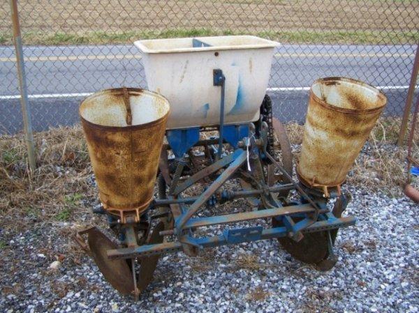 2057: Ford 3pt 509 Corn Planter for Tractors