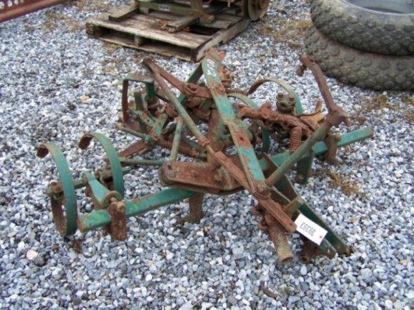 2052: John Deere 330 Standard Cultivator for Tractor