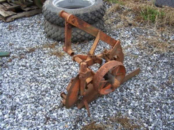 2051: Allis Chalmers G 1x Plow for Tractors - 2