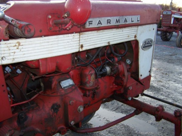 2303: IH Farmall 340 Wide Front Tractor - 10