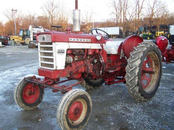 2303: IH Farmall 340 Wide Front Tractor - 3