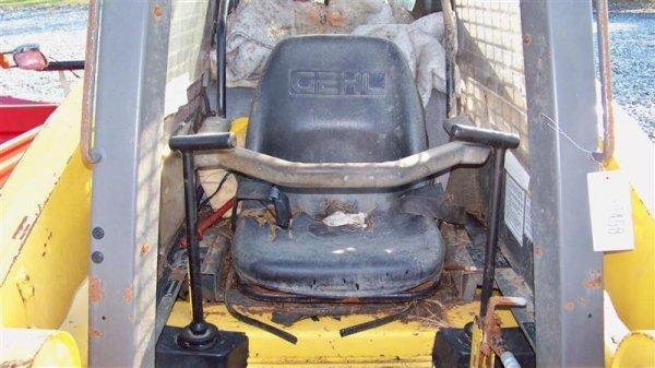 4120: Gehl 4625 Skid Steer Loader, Kubota Diesel  - 7