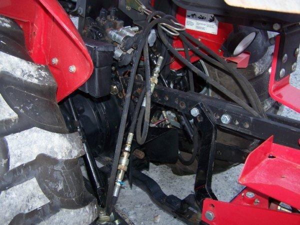 4175: Massey Ferguson 461 Tractor with Loader Backhoe - 6