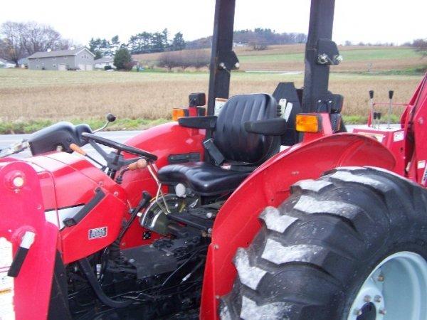 4175: Massey Ferguson 461 Tractor with Loader Backhoe - 8