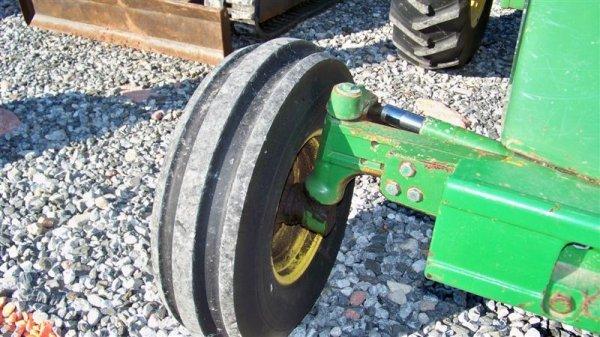 4260: John Deere 2955 Farm Tractor with Cab, - 10