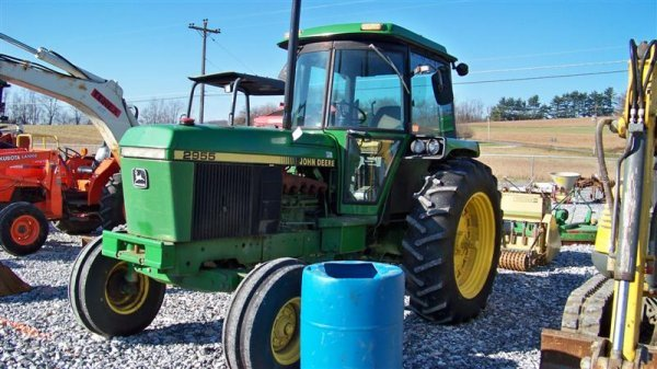 4260: John Deere 2955 Farm Tractor with Cab, - 2