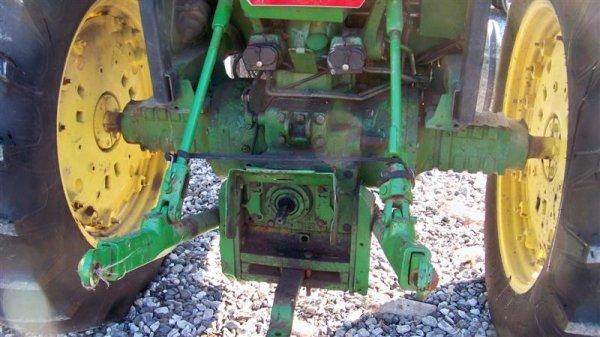 4260: John Deere 2955 Farm Tractor with Cab, - 5