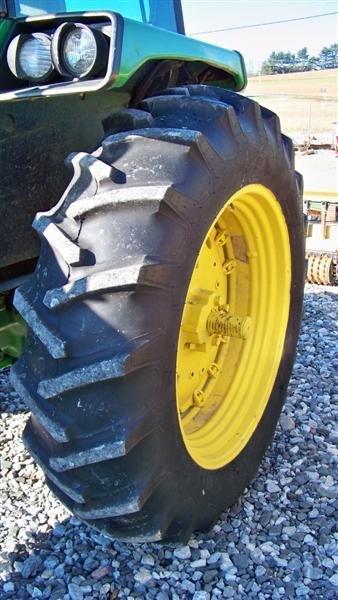 4260: John Deere 2955 Farm Tractor with Cab, - 6