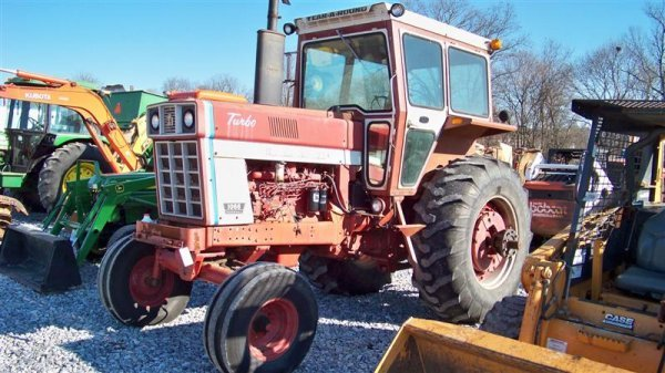 4345: International 1066 with Year Round Cab, Duals - 2