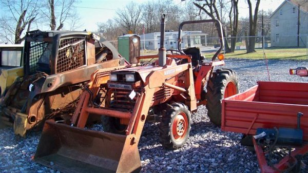 4116: Kubota L2550 4x4 Compact Tractor with Loader