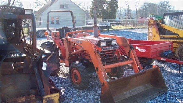 4116: Kubota L2550 4x4 Compact Tractor with Loader - 2