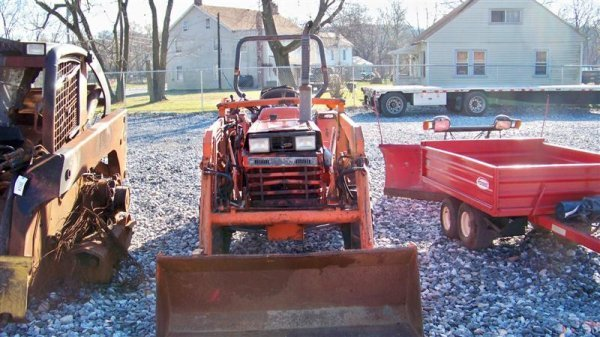 4116: Kubota L2550 4x4 Compact Tractor with Loader - 3