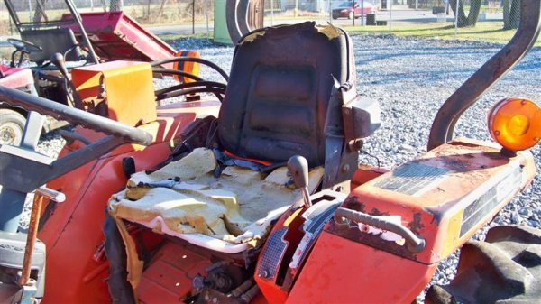 4116: Kubota L2550 4x4 Compact Tractor with Loader - 7