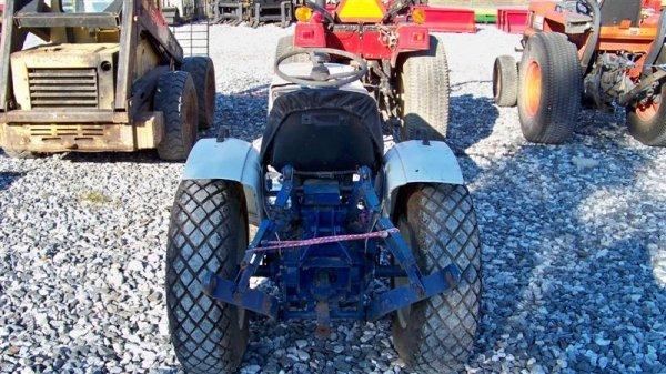 4123: Mitsubishi MT372 Compact Tractor - 4