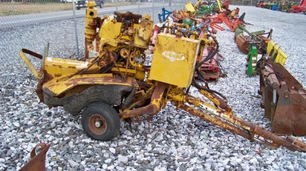 4020: Vermeer 630 Tow Behind Stump Grinder for Parts