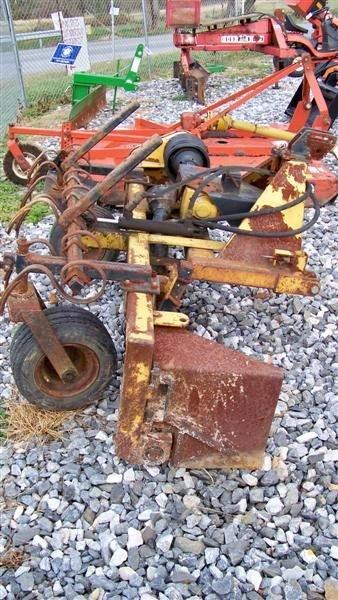 4064: Harley T6 6' 3pt Power Rake for Tractors - 3