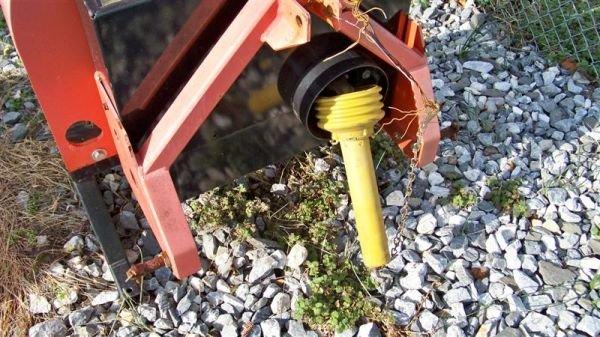 4073: Bearcat 73454 3pt Wood Chipper for Tractors - 3