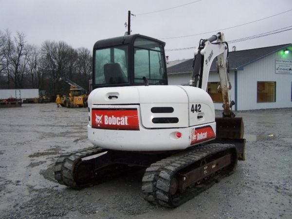 198: Bobcat 442 Mini Excavator with EROPS, 3rd Valve - 4