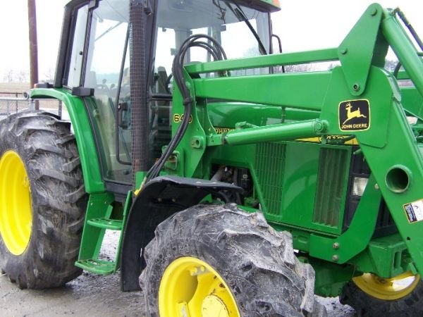 190: John Deere 6410 4x4 Farm Tractor Cab and Loader - 6