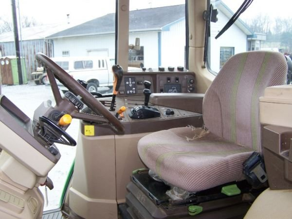 190: John Deere 6410 4x4 Farm Tractor Cab and Loader - 7