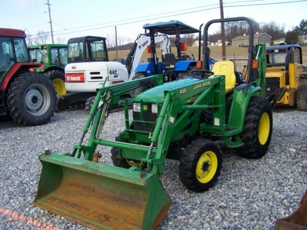 240: John Deere 4310 4x4 Compact Tractor Loader Backhoe - 3