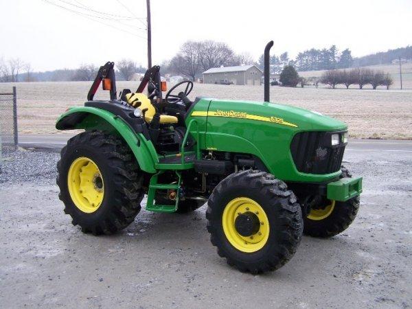249: John Deere 5325 4x4 Platform Tractor, Loader Valve