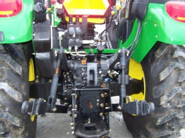 249: John Deere 5325 4x4 Platform Tractor, Loader Valve - 5