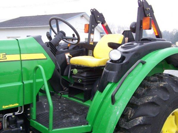 249: John Deere 5325 4x4 Platform Tractor, Loader Valve - 8
