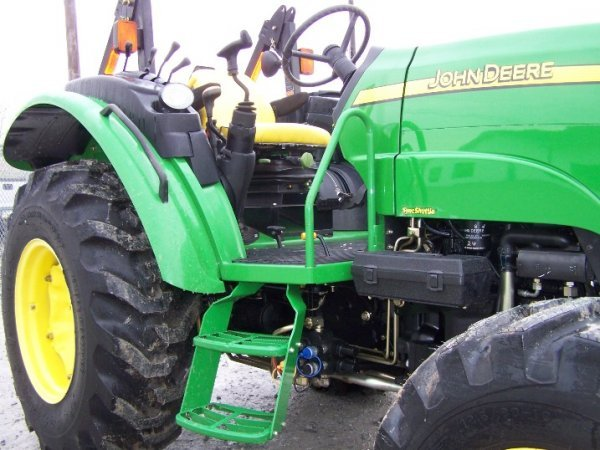 249: John Deere 5325 4x4 Platform Tractor, Loader Valve - 9