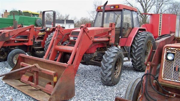 320: Case IH 5130 4x4 Farm Tractor with Cab and Loader - 2