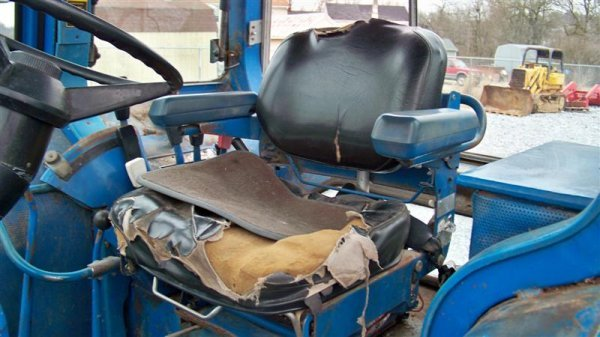 312A: Ford 9700 Farm Tractor with Cab,  Dual Power - 8