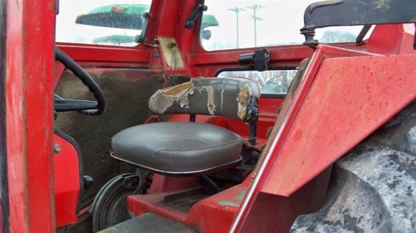 383: Massey Ferguson 285 Diesel Farm Tractor with Cab - 8