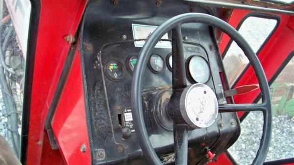 383: Massey Ferguson 285 Diesel Farm Tractor with Cab - 9