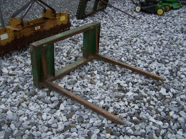 35: Myers Bale Carrier for Tractor Loaders