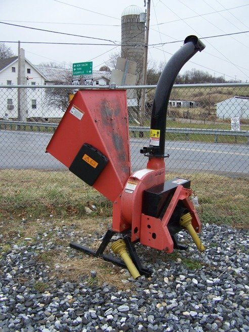 95: Bearcat model 73454 3pt Wood Chipper for Tractors