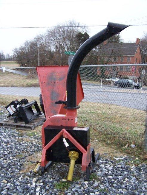 95: Bearcat model 73454 3pt Wood Chipper for Tractors - 2