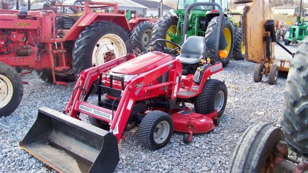 453: Massey Ferguson GC2300 4x4 Tractor with Loader - 2
