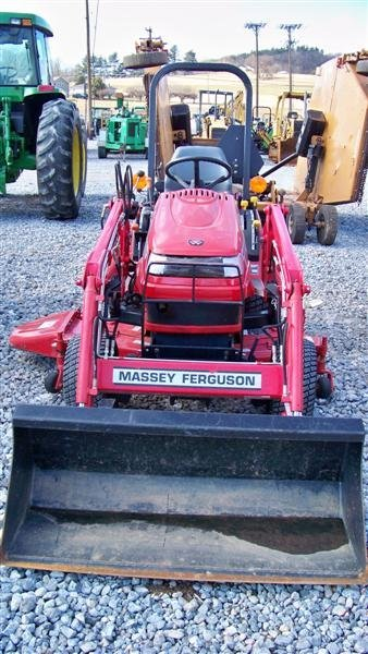 453: Massey Ferguson GC2300 4x4 Tractor with Loader - 3