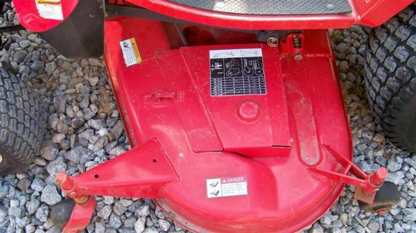 453: Massey Ferguson GC2300 4x4 Tractor with Loader - 9