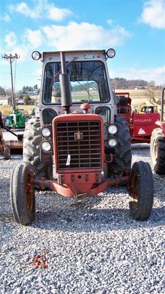 454: International 656 Diesel Farm Tractor with Laurin  - 3