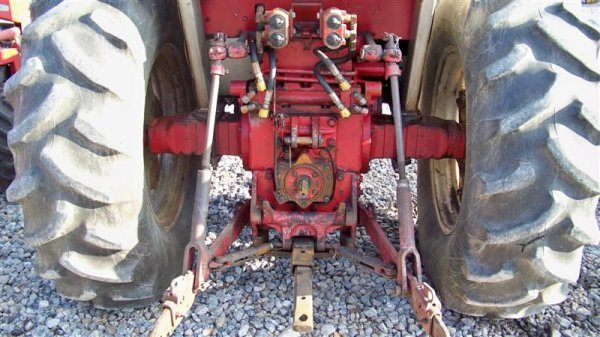 454: International 656 Diesel Farm Tractor with Laurin  - 5