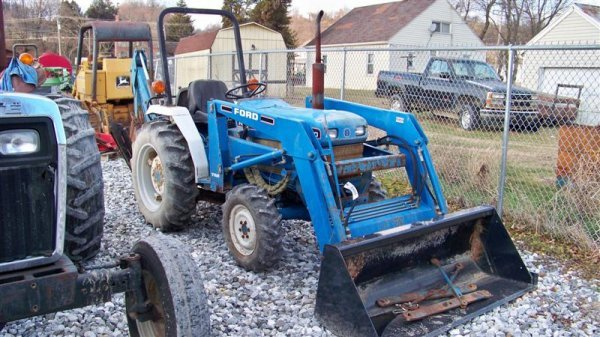 483: Ford NH 1620 4x4 Compact Tractor Loader Backhoe