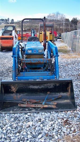 483: Ford NH 1620 4x4 Compact Tractor Loader Backhoe - 2